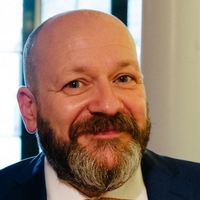 Daniel Smith sales expert